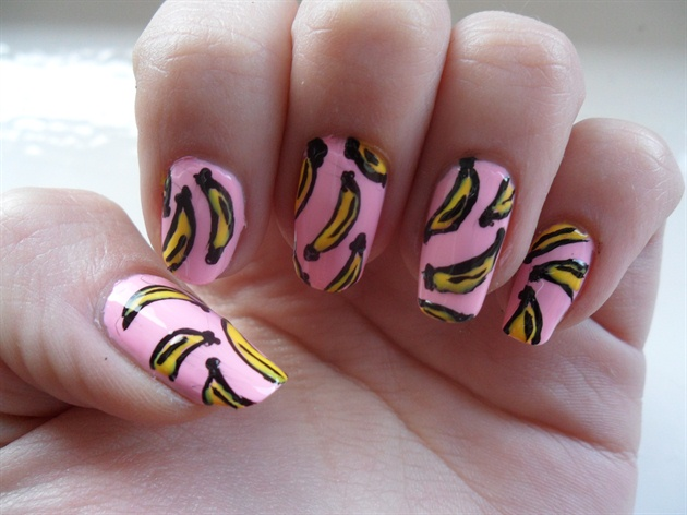 Nail art bananas